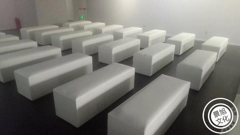 折叠沙发椅图片_上海沙发凳租赁/吐司凳租赁/面包凳租赁_上海舞台搭建|上海舞台 ...